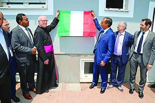 Lo sceicco del Qatar regala moschee in giro per l'Italia