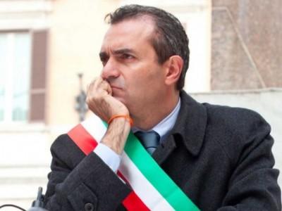 """Ucei e Comunità ebraica di Napoli contro il sindaco De Magistris: """"No alla cittadinanza onoraria ad un terrorista palestinese"""""""